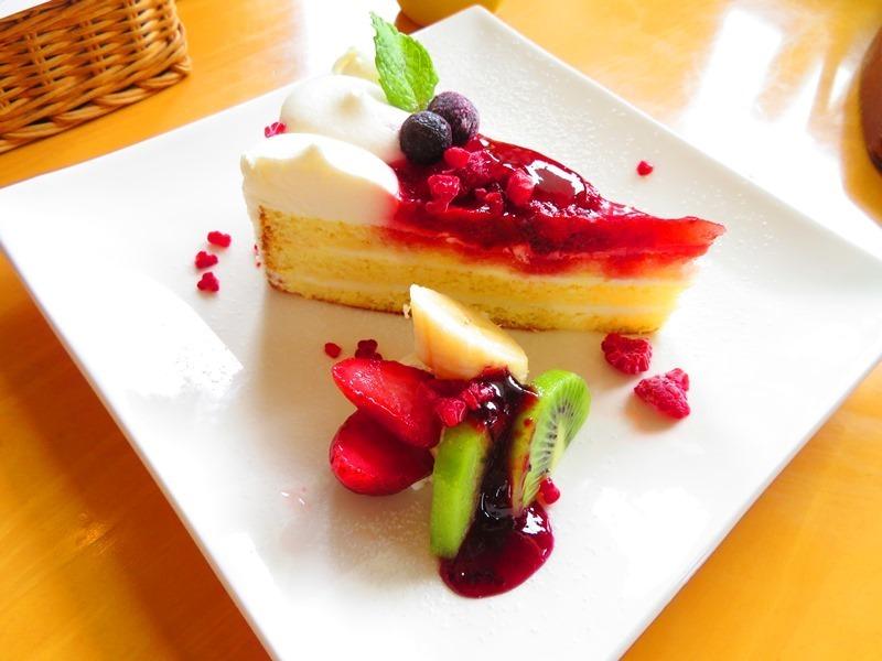 20190706cafeレストラン花薄荷ケーキ.JPG